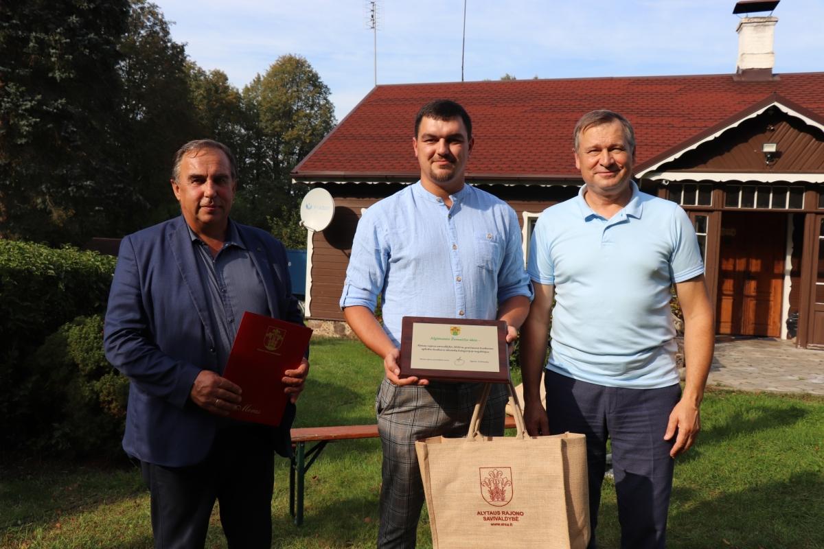Ūkininkai džiaugiasi derliumi, o Aplinkos konkurso dalyviai – apdovanojimais